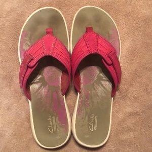 Clarks Pink Flip Flops size 10